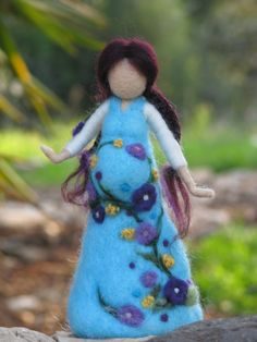 Ser madre... pronto, aguja de fieltro muñeca waldorf inspirado
