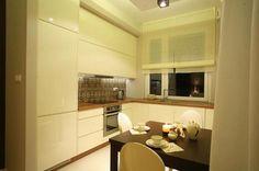 Aranżacja kuchni wystrój klasyczny w kolorach biel, brąz - projekt wnętrza #6153396, Homplex