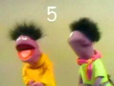 Sesame Street - Roosevelt Franklin counts