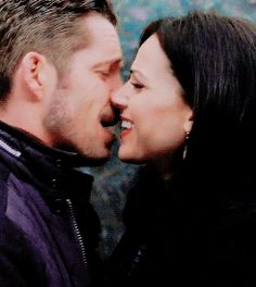 Co Ruler of Trashland Ouat, Robin And Regina, Sean Maguire, Regina Mills, Outlaw Queen, Squad Goals, I Can Relate, Best Shows Ever, Funny Moments