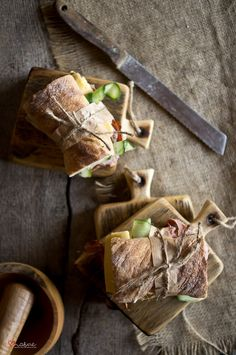Food | Nourriture | 食べ物 | еда | Comida | Cibo | Art | Photography | Still Life | Colors | Textures | Design | panini