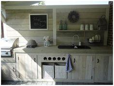 Mooie keuken voor onder de veranda.