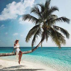 Conrad Maldives Rangali Island with Yana Leventseva Types Of Photography, Summer Photography, Photography Poses, The Beach, Beach Day, Girl Beach, Maldives, Exotic Beaches, Beach Poses