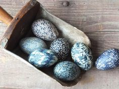 Primitive Blue Fabric Eggs Colonial by TreasuredPrimitives on Etsy Fabric Birds, Blue Fabric, Kitsch, Blue Eggs, Blue Bowl, Blue In Green, Wire Egg Basket, Colonial, Easter Crafts