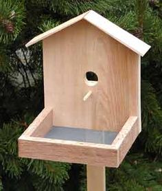 The RunnerDuck Bird Feeder, step by step instructions.