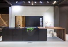 DuPont™ Corian®: DuPont™ Corian® Küche Amini BLOCK VII
