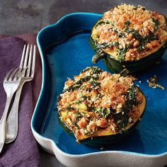 Feel-good food: New research shows the vitamin C in acorn squash may help boost your mood. omit cheese and breadcrumbs. Kale Sausage Recipe, Sausage Recipes, Vegetable Recipes, Cooking Recipes, Healthy Recipes, Skinny Recipes, Healthy Dinners, Acorn Squash Recipes Healthy, Chicken Recipes