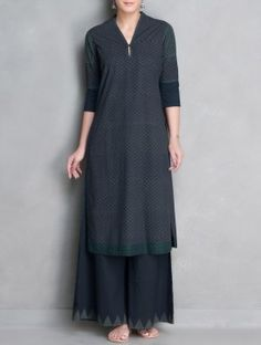 Indigo-Grey Printed V-Neck Stitch Detailed Mangalgiri Cotton Kurta Asian Fashion, Hijab Fashion, Boho Fashion, Fashion Dresses, Pakistani Outfits, Indian Outfits, Indian Attire, Indian Wear, Salwar Designs
