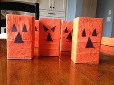 Preschool Halloween Treats | Pumpkin Juice boxes Fall Snacks, Fall Treats, Halloween Treats, Preschool Halloween, Halloween Party, Pumpkin Patch Birthday, Pumpkin Juice, Preschool Snacks, Trunk Or Treat