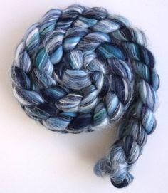 88de6af003 A(z) Anyag nevű tábla 19 legjobb képe | Yarns, Knitting és Weaving