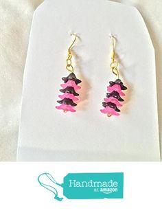 Dark Pink and Black Flower Earrings from Southern Women Crafts http://www.amazon.com/dp/B01CIUMB42/ref=hnd_sw_r_pi_dp_S-w.wb1YA9WA7 #handmadeatamazon
