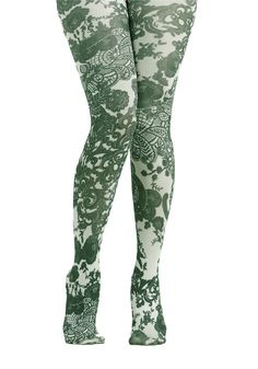 Patterned Pick Tights, Weirdly drawn to these. Short girls aren't supposed to wear crazy patterned tights because it makes you look shorter, but screw that right? Cool Tights, Funky Tights, Green Tights, Patterned Tights, Women's Tights, Print Tights, Colored Tights, Tights Outfit, Leotards