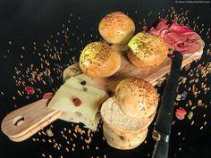 Pain pour burger extra moelleux Bun Recipe, Recipe For 4, Kitchenaid, Cooks Illustrated Recipes, Burger Party, Burger Buns, Burgers, Cooking Recipes, Healthy Recipes