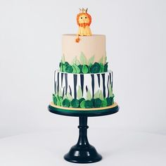 National Cupcake Week tutorial: How to make sugarpaste doilies and roses – Kuchen Rezept Jungle Birthday Cakes, Boys 1st Birthday Cake, Lion Birthday, Wild One Birthday Party, Safari Birthday Party, Themed Birthday Cakes, Animal Birthday, 2nd Birthday Parties, Jungle Theme Cakes