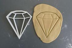 Big diamond cookie cutter 3D printed by Printmeneer on Etsy, €9.00