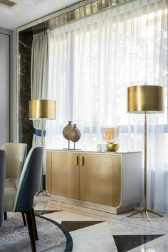 Curtains are one of the most important parts of home improvement design. Different types of curtains may even affect the decorative design style of the whole house. Unique Curtains, White Curtains, Buffets, Modern Furniture, Furniture Design, Modern Drawers, Elegant Sofa, Chelsea, Decoration Design