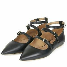 Topshop Kitsch buckle pointed flats Topshop Kitsch buckle pointed flats. 100% leather. Brand new, no box. Size US8.5, EU39 Topshop Shoes Flats & Loafers