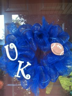 Don't freak out! Im not becoming a UK fan. I just thought I'd like to try & make a Colts wreath :)