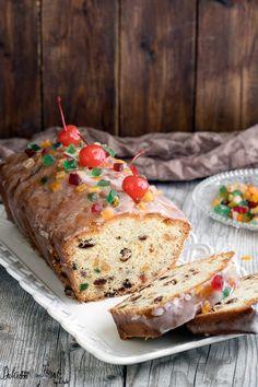 #Plumcake - #ricetta originale, il tradizionale e classico plumcake #inglese, una torta paradisiaca, un dolce di cui vi innamorerete all'istante! Un plumcake #soffice, #morbido, dalla consistenza compatta e caratterizzato dal gusto burroso. Si taglia perfettamente senza sbriciolarsi e non risulta per niente asciutto, anzi, si scioglie in bocca. Da non perdere! #pinterestxaltervista Good Food, Yummy Food, Pound Cake, Cake Cookies, Banana Bread, Sweet Tooth, Food Porn, Desserts, Recipes