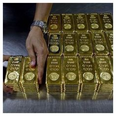 Buying GOLD is not just a good idea its a great idea . Investing in gold is no. Gold Money, My Money, Money Pics, Gold Bullion Bars, Money Stacks, Money Cant Buy Happiness, Financial Stress, Gold Rate, Gold Gold