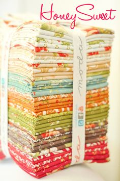 Fig Tree Quilts new fabric for fall 2013 - I ADORE this line! Quilting Projects, Sewing Projects, Sewing Tutorials, Quilt Tutorials, Sewing Ideas, Fabric Patterns, Sewing Patterns, Tree Quilt, Machine Quilting