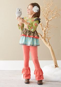 from Matilda Jane Website. Love this simple winter studio setup. Now where to find the tree? O.o