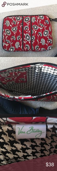 Large Vera Bradley Laptop Case Barley used case, perfect condition Vera Bradley Other