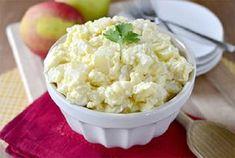 """Mesés krumplisaláta, ennél jobbat nem is kívánhat magának az ember!Nem lehet vele mellényúlni. Hozzávalók 1 kg burgonya, 2 tojás sárgája, 2 dl olaj, mustár, citrom, tejföl, só, bors, ecet. Elkészítés A megmosott burgonyát héjában megfőzzük, és kihűlés után hideg vízbe mártott késsel """"fél x fél""""cm-es kockára vágjuk. Sóval, ecettel, kevés[...]"""