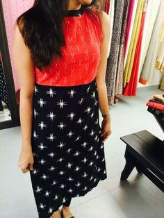 This cliche combinations always lures me!! Churidar Designs, Kurti Neck Designs, Dress Neck Designs, Blouse Designs, Kalamkari Dresses, Ikkat Dresses, Indian Designer Outfits, Designer Dresses, Salwar Pattern