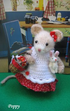 Poppy Darling handmade little mouse by dollsandbunnies on Etsy, $42.00