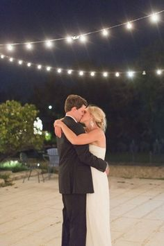 http://escolite.kinja.com/whimsical-wedding-1783960099?rev=1469008392597