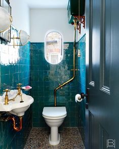 Beata Heuman (@beataheuman) • Instagram-billeder og -videoer Diy Bathroom Decor, Bathroom Colors, Bathroom Designs, Bathroom Ideas, Colorful Bathroom, Bathroom Trends, Interior Design Companies, Home Interior Design, Beata Heuman