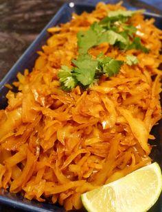 Kryddig och smakrik Indisk vitkålscurry. Perfekt att laga nu när det är säsong för vitkål.