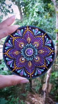 Mandala Art Lesson, Mandala Artwork, Mandala Drawing, Mandala Painting, Rock Painting Patterns, Dot Art Painting, Rock Painting Designs, Mandala Chakras, Mandala Dots