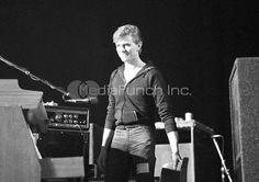Teda... Vidět mladého Davida v džínách a mikině, to se jen tak nevidí.😊#DavidBowie#Bowie#bowieisourstar