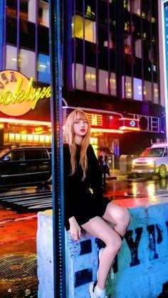 Check out Blackpink @ Iomoio Kpop Girl Groups, Korean Girl Groups, Kpop Girls, Kim Jennie, Foto Rose, Mint Creams, Lisa Blackpink Wallpaper, Baby Wallpaper, Beautiful Wallpaper