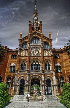 Hospital de la Santa Creu i Sant Pau (Barcelona) by Andrzej Koliba.