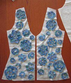 dup 2 Placement of dollies to turn into a lace garment. Gilet Crochet, Freeform Crochet, Crochet Motif, Crochet Stitches, Crochet Potholders, Crochet Woman, Love Crochet, Diy Crochet, Crochet Flowers