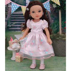 Create beautiful dresses for your dolls from designer Cupcake Cutie Pie. Doll Clothes Patterns, Clothing Patterns, Doll Dresses, Flower Girl Dresses, Simplicity Sewing Patterns, Dress For You, Beautiful Dresses, Harajuku, Dolls