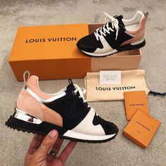 Louis Vuitton shoes 😍😍 pin: ✨ - Most Expensive Shoe Brands Lv Shoes, Cute Shoes, Me Too Shoes, Lv Sneakers, Louis Vuitton Sneakers, Zapatillas Louis Vuitton, Most Expensive Shoes, Dream Shoes, Shoe Brands