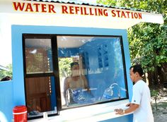 Franchising Series: How to beat competition in the Water Refilling Business - FFE Magazine Water Supplier, Store Layout, Living In Europe, Water Art, Water Dispenser, Bottle Design, Store Design, Packaging Design, Beats