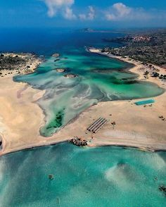Elafonisi beach Crete... Photo from @kissamoshotel! Recently voted as no.9 beach of the world and it's obvious why! Exotic beaches with white sand and turquoise waters are formed on either sides of the peninsula. The sand is pinkish in many places taking its color from thousands of broken shells. Tag a friend you would like to swim there with! Check the tagged profiles for more awesome destinations around Greece!