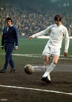 1971, Leeds United forward Allan Clarke takes part in a prematch warm up