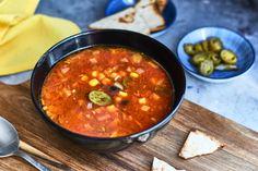 Ha gyorsan akartok, a spájzban található dolgokból valami finomat, ráadásul húsmenteset összedobni, akkor itt ez a leves. Fűszeres, csípős, isteni!