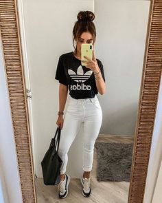 Awesome fashion style are offered on our web pages. Take a look and you will not be sorry you did. Basic Outfits, Fashion Mode, Winter Fashion Outfits, Outfits For Teens, Trendy Outfits, Summer Outfits, Cute Outfits, 80s Fashion, Ootd Fashion