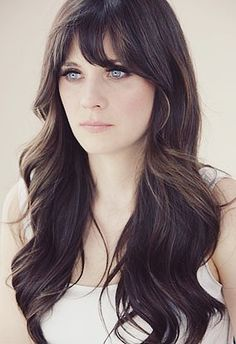 """i want to be Zooey Deschanel's twin! i always love her hair, bangs, and vintage eye makeup! kinda obsessed with her show """"New Girl""""!!!! and if only i could sing like her... Seriously love this girl :-) Mais"""
