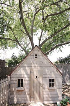 chicken coop - farmhouse - garage and shed - Lindsay von Hagel