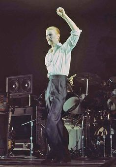 David Bowie 1976: Isolar / Station to Station Tour.