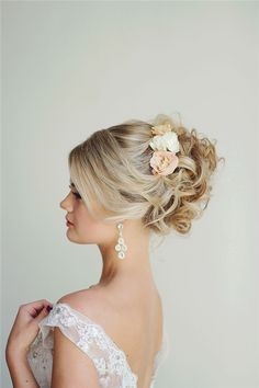 Style Ideas: 20 Modern Bridal Hairstyles for Long Hair | http://www.deerpearlflowers.com/style-ideas-20-modern-bridal-hairstyles-for-long-hair/