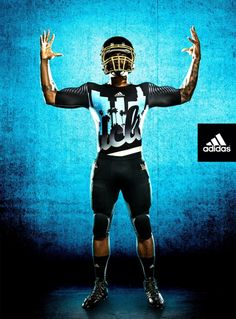 427a4593c Check out this UCLA Bruins uniform for the 2013 season. Our community of  Uniform Critics gave it a rating of out of 5 stars.